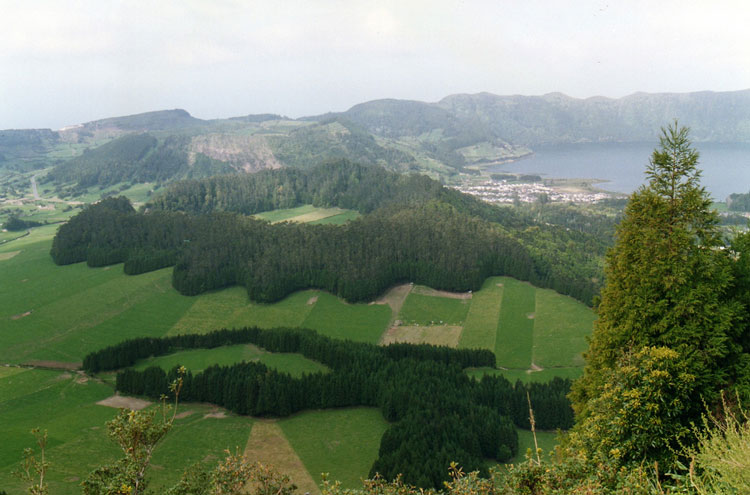 Sete Cidades - © By Flickr user cristinawrs