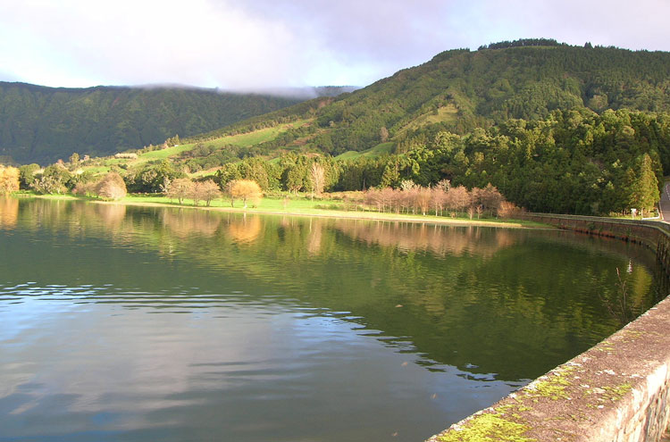 Sete Cidades - © By Flickr user alittleazorean
