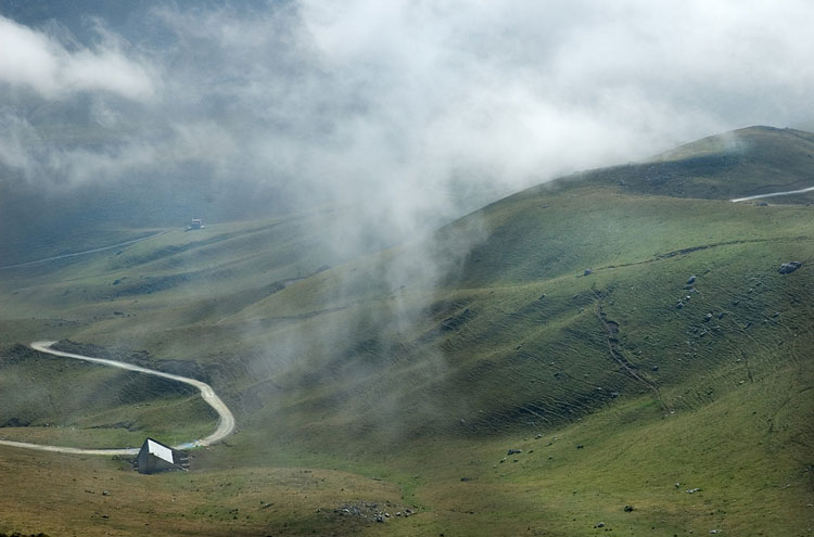 Aliva Circuit: Picos, Aliva Niebla - © By Flickr user jroblear