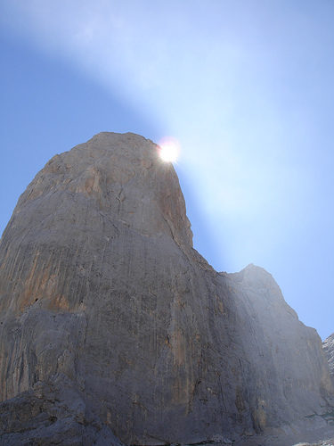 El Naranjo de Bulnes - © By Flickr user ctrlw