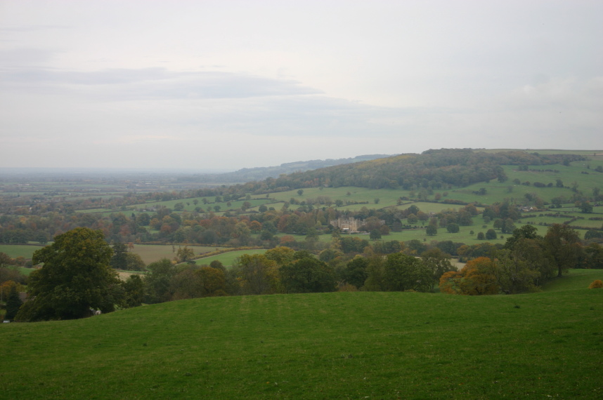 Cotswold Way: The escarpment, Sudeley Castle and Winchcombe
