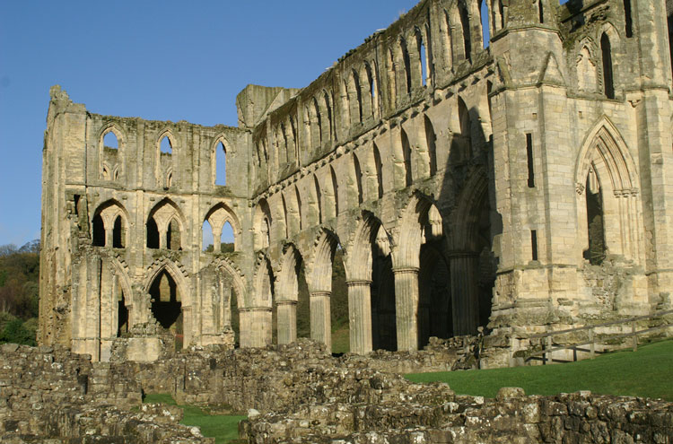 Rievaulx Abbey - © By Flickr user DaveHamster
