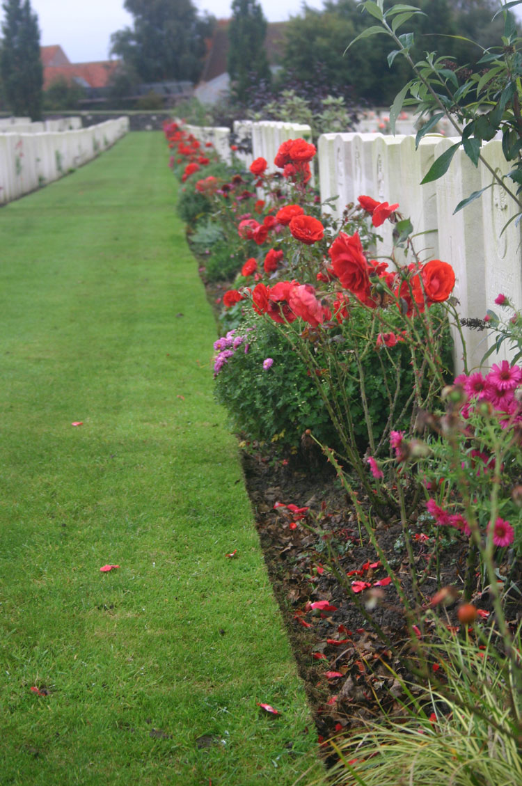 France, First World War Battlefields, Tyne Cot Cemetery, Walkopedia