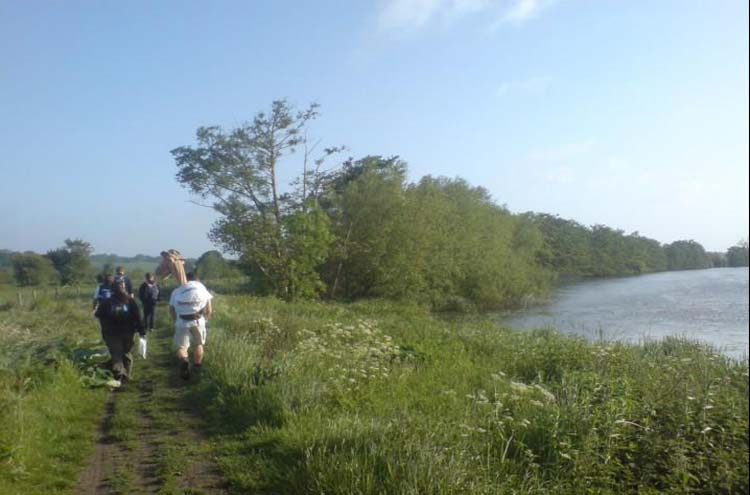 Thames Path: Somewhere near Cholsey - © By Flickr user HumphreytheCamel