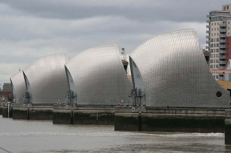 Thames Path: Thames Barrier - © By Flickr user KarenRoe