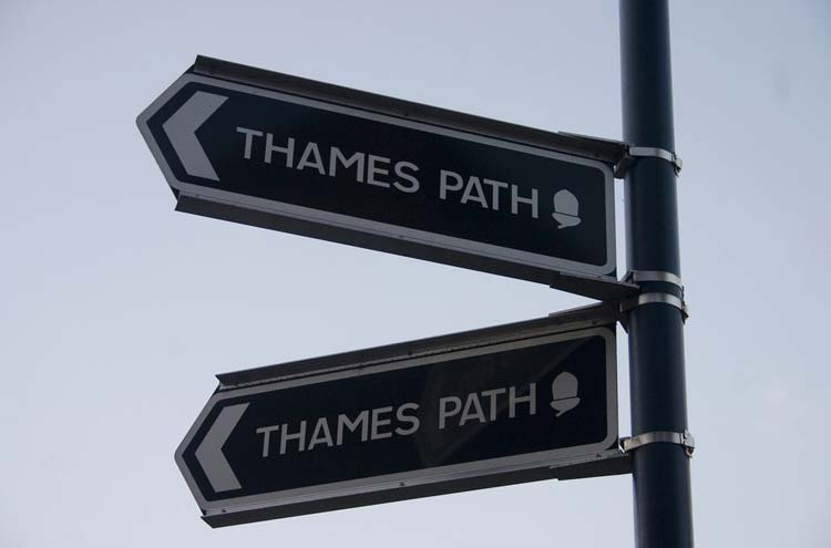 Thames Path: Thames Path - © By Flickr user Otama