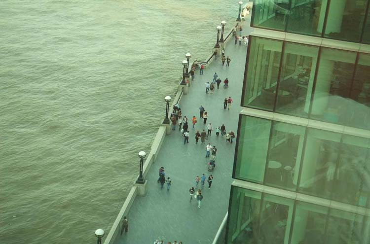 Thames Path: Thames Path From Ernst and Young - © By Flickr user Mattfromlondon