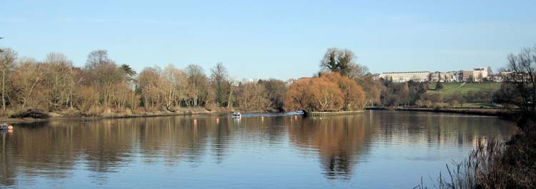 Thames Path: Thames Path to Richmond Hill - © By Flickr user JimLinwood