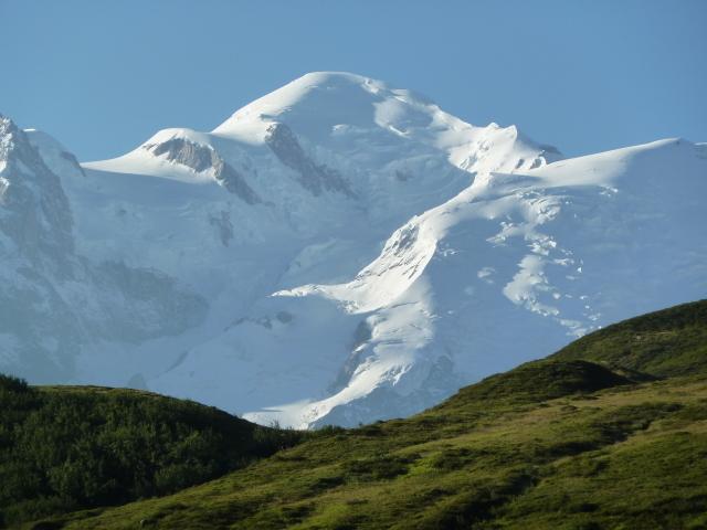 France Alps, GR5 or Grand Traverse des Alpes, Mont Blanc on the descent From Refuge de Moede Anterne at 6549 feet, Walkopedia