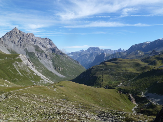 France Alps, GR5 or Grand Traverse des Alpes, Looking south on route to Col de Chaviere (9173 feet), Walkopedia