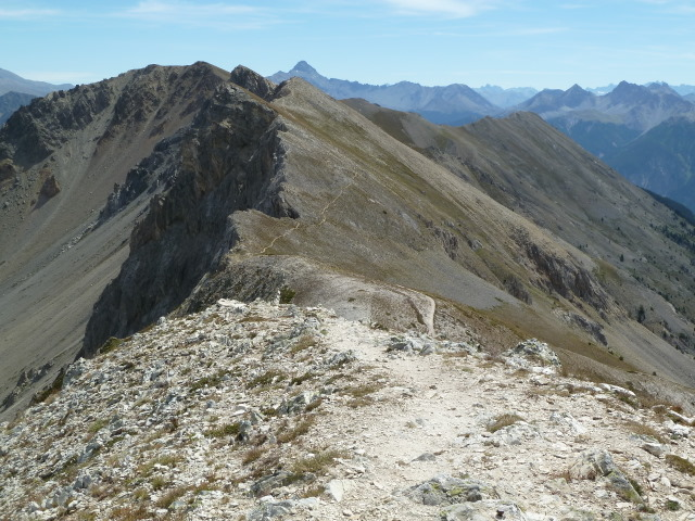 France Alps, GR5 or Grand Traverse des Alpes, Looking north on the Crete de Peyrolle, Walkopedia