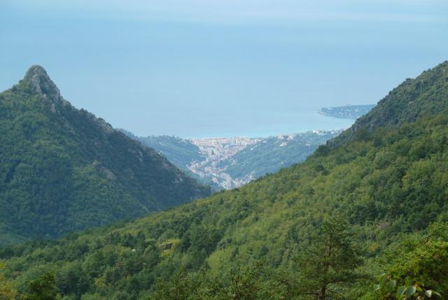 France Alps, GR5 or Grand Traverse des Alpes, Garavan From Col du Razet at 3386 feet, Walkopedia