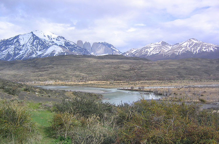 Torres del Paine: Torres del Paine - © By Flickr user PhillieCasablanca