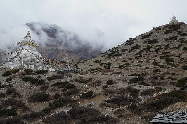 Everest Base Camp, Nepal - Gorak Shep to Dingboche - © Flickr user Stephen A. Wolfe