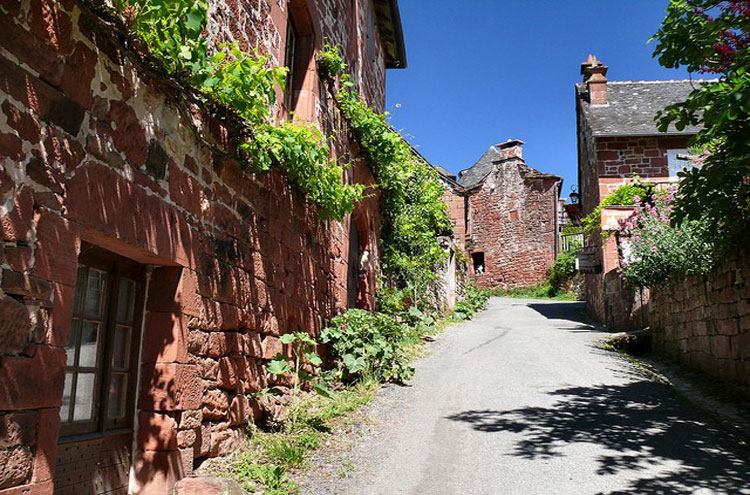 Collonges la Rouge - © By Flickr user dynamosquito