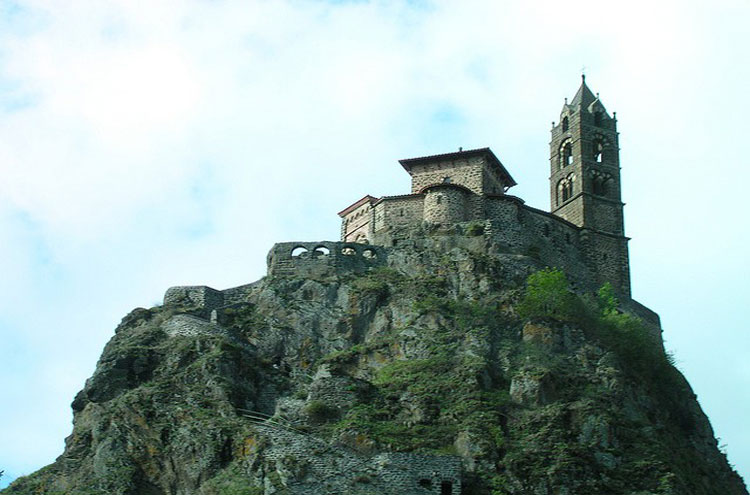 Le Puy, Chappel St Michel - © By Flickr user Jean-Louis Zimmerman