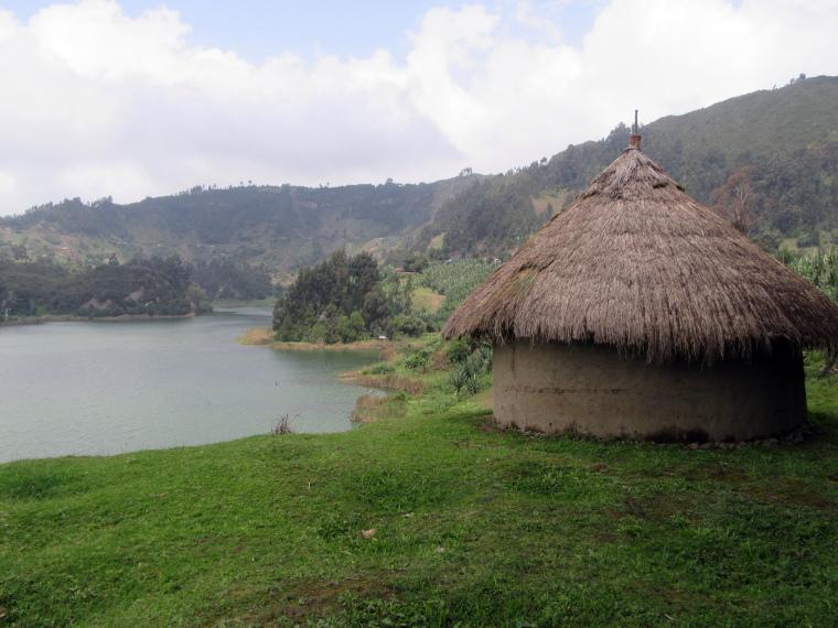 Ethiopia Central, Wonchi Crater Lake , Round house, Walkopedia