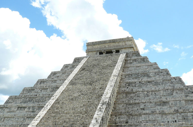 Chichen Itza - © By Flickr user Mike_fleming