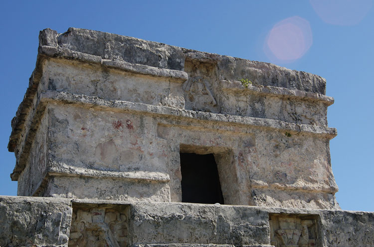 Mayan Ruins in Tulum - © By Flickr user Toddross
