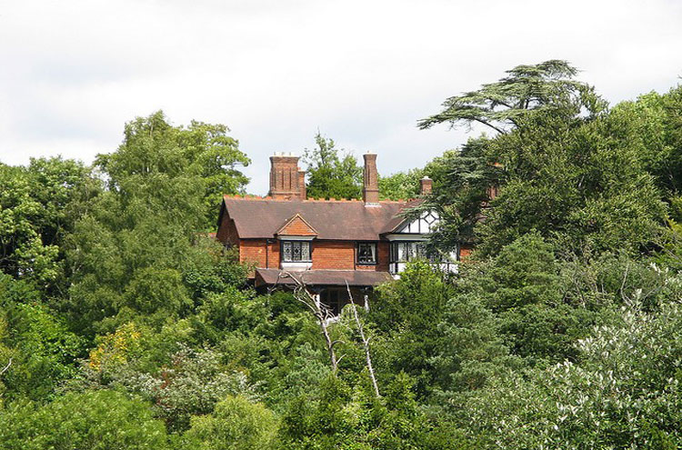 Box Hill: Surrey House, Box Hill - ©By Flickr user...