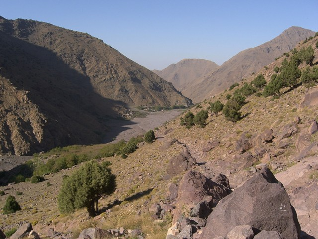 Jebel Toubkal Circuit: Dry valley