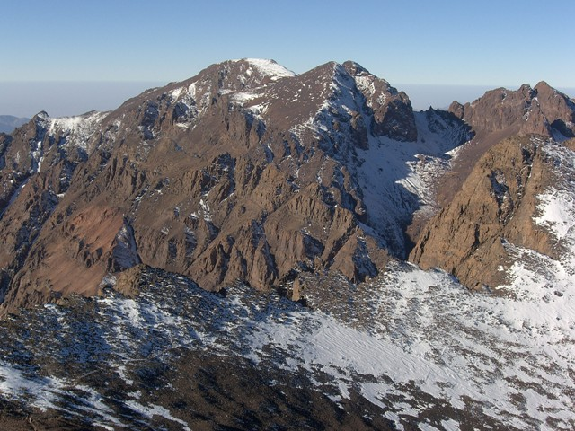 Jebel Toubkal Circuit: Trail below Ouanoukrim - © user geotraveler