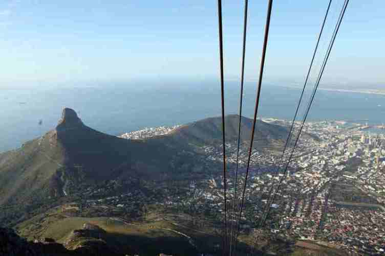 """Lion's Head: Lion""""s Head and Signal Hill - © By Flickr user flowcomm"""
