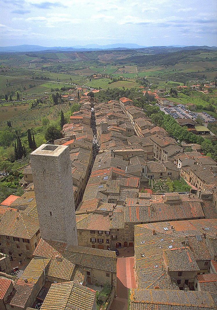 San Gimignano - the way ahead - © Flickr user Leto A