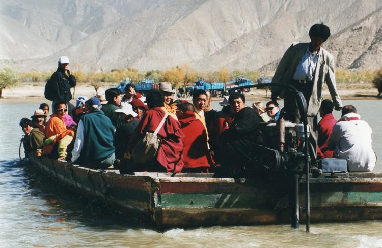 China Tibet, Samye Kora, Crossing the great river, Walkopedia