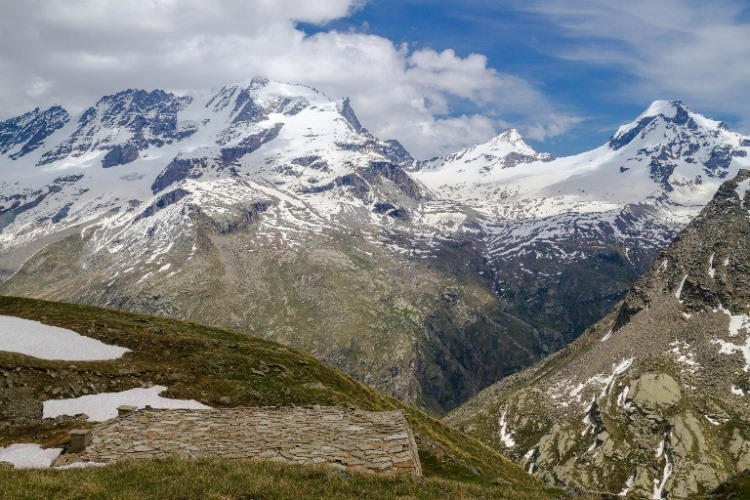 Alta Via 2 (Gran Paradiso): The view from Pian Borgnoz  - © flickr user- Fulvio Spada