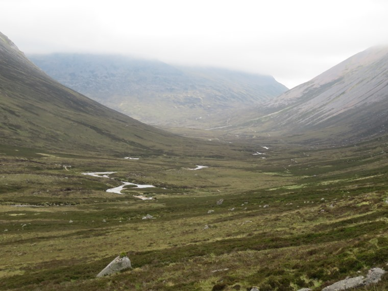 Garbh Chiore left, Lairig Ghru right - © William Mackesy