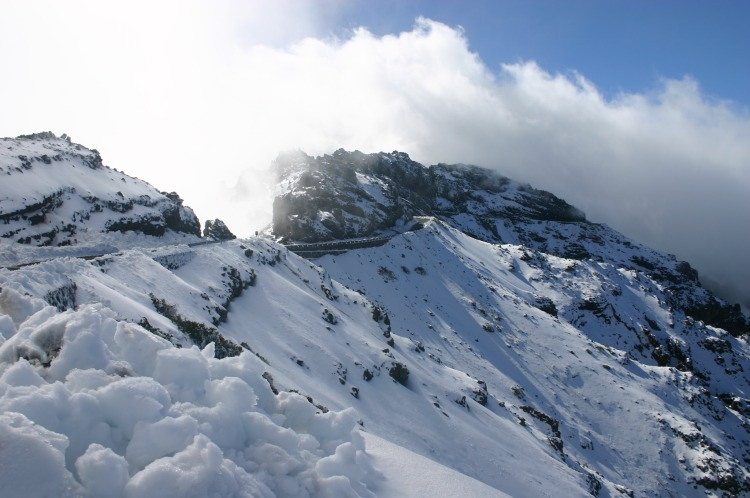 Great Volcanic Ridge - Caldeira de Taburiente, rim in winter - © Copyright William Mackesy