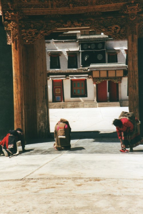 Labrang Kora (Xiahe): Labrang Kora - © Copyright William Mackesy