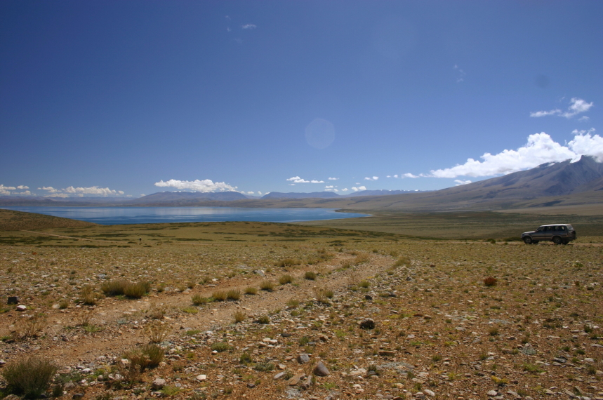 China Tibet, Lake Manasarovar, First glimpse from the south, Walkopedia