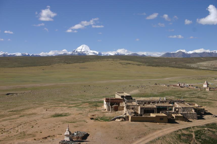 China Tibet, Lake Manasarovar, Hamlet with our room, Kailash behind, Walkopedia