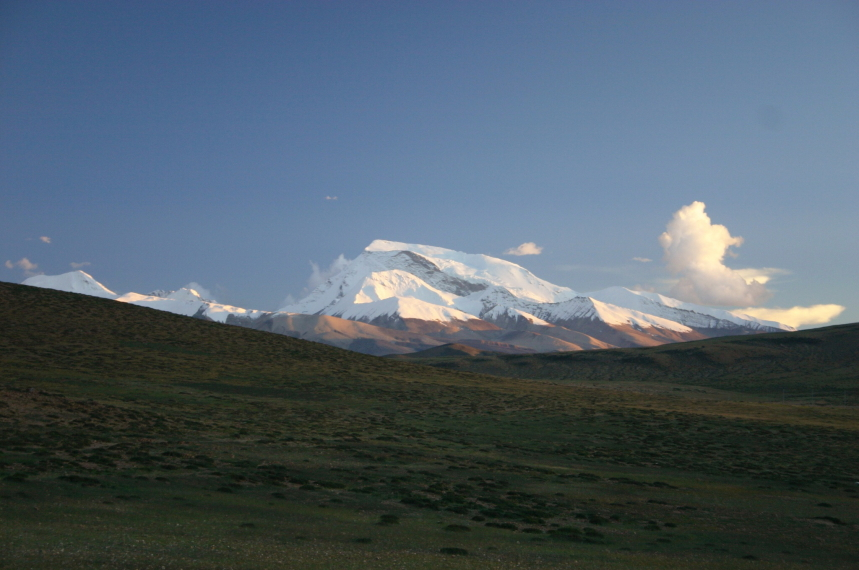 China Tibet, Lake Manasarovar, Gurla Mandata, morning, Walkopedia