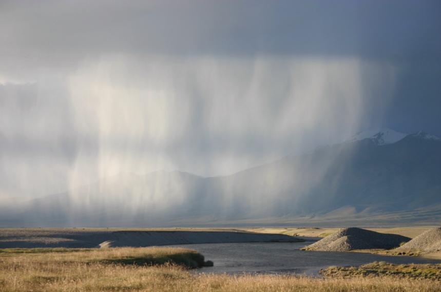 China Tibet, Lake Manasarovar, S hower on north shore, Walkopedia