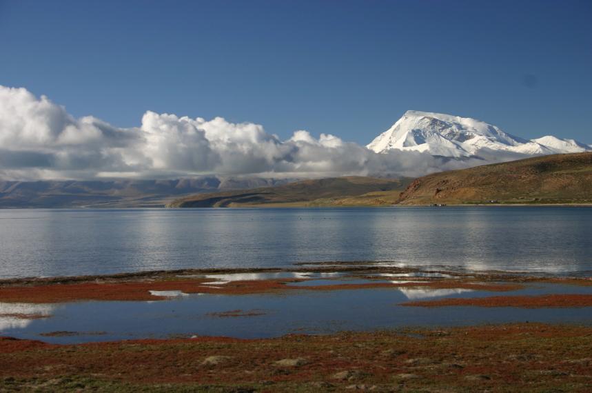China Tibet, Lake Manasarovar, Huge Gurla Mandhata across the lake, Walkopedia