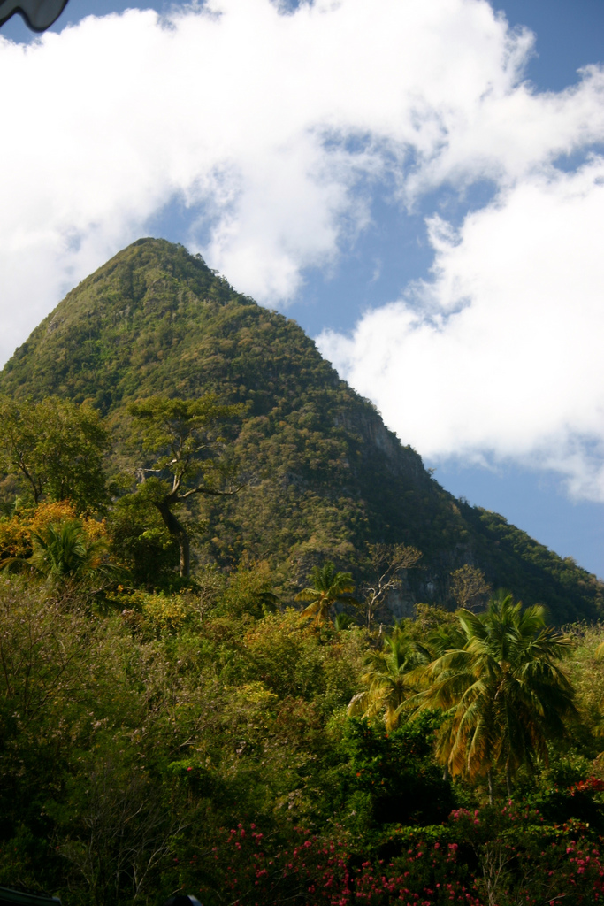 Gros Piton - © Flickr user lizzylizinator
