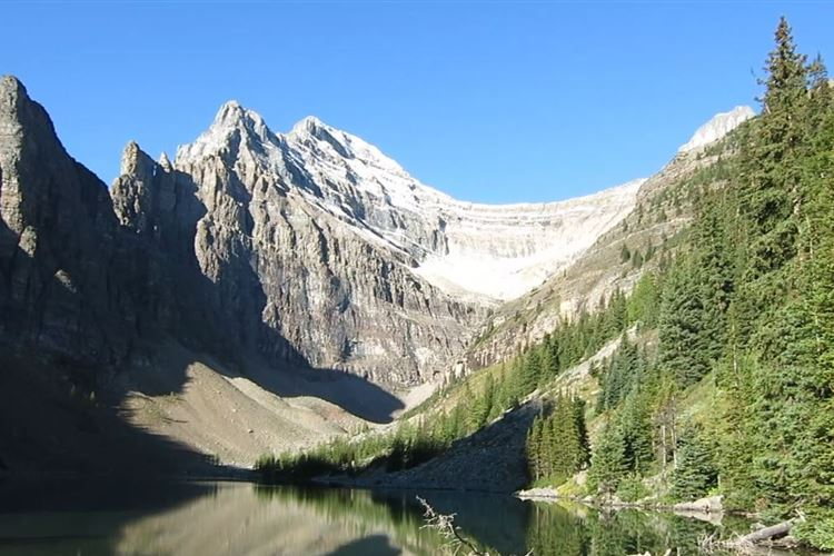 Canada Alberta: Banff NP, Lake Louise to Lake Agnes, Lake Agnes, Walkopedia