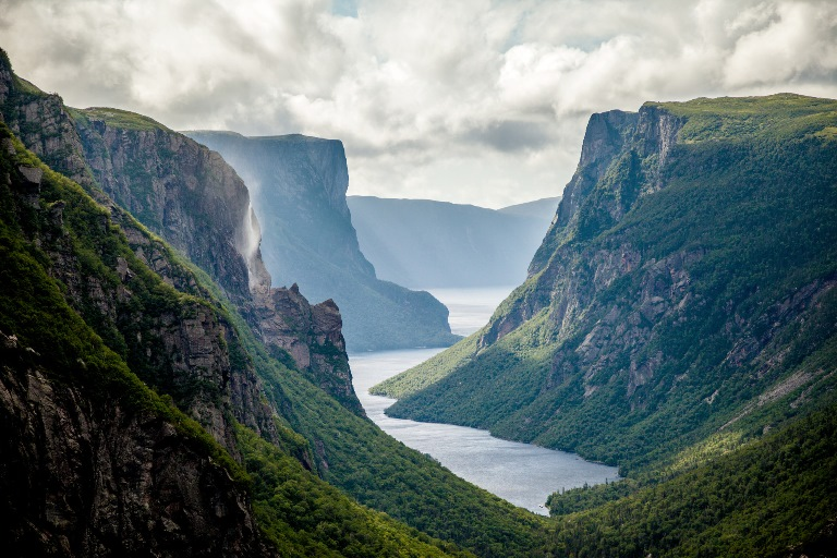 Canada Newfoundland, Gros Morne NP, Western Brook Pond Fjord , Walkopedia
