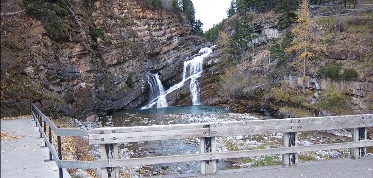 Waterton Lakes NP: Carthew Alderson Trailhead Waterfall - © Richard Bukowski