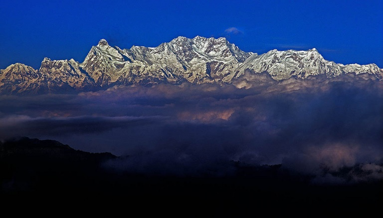 Kangchenjunga from the West - © flickr- Richard Droker