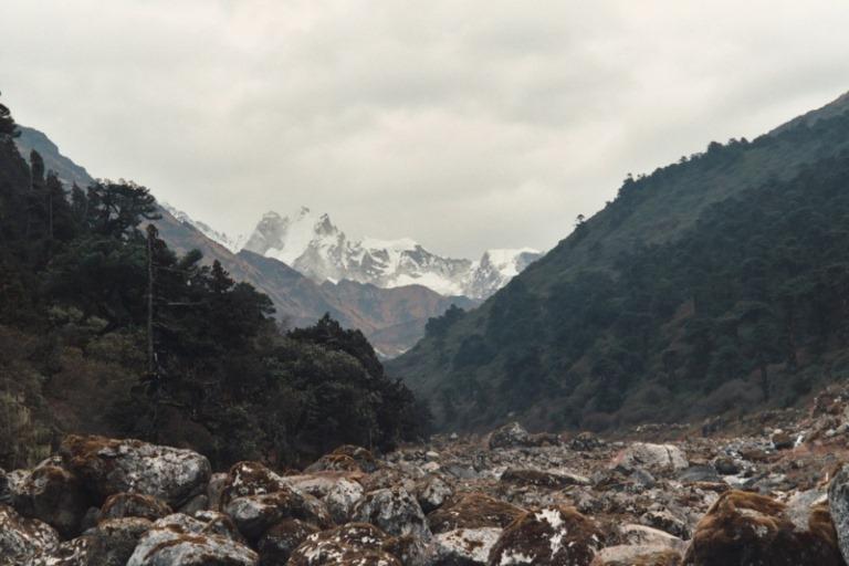 Nepal Far East, Kangchenjunga from Nepal, Looking up to Kabru from below Tseram , Walkopedia