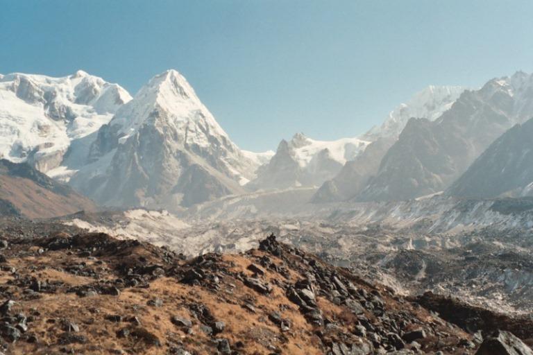Nepal Far East, Kangchenjunga from Nepal, Ratong and Yalung glacier , Walkopedia