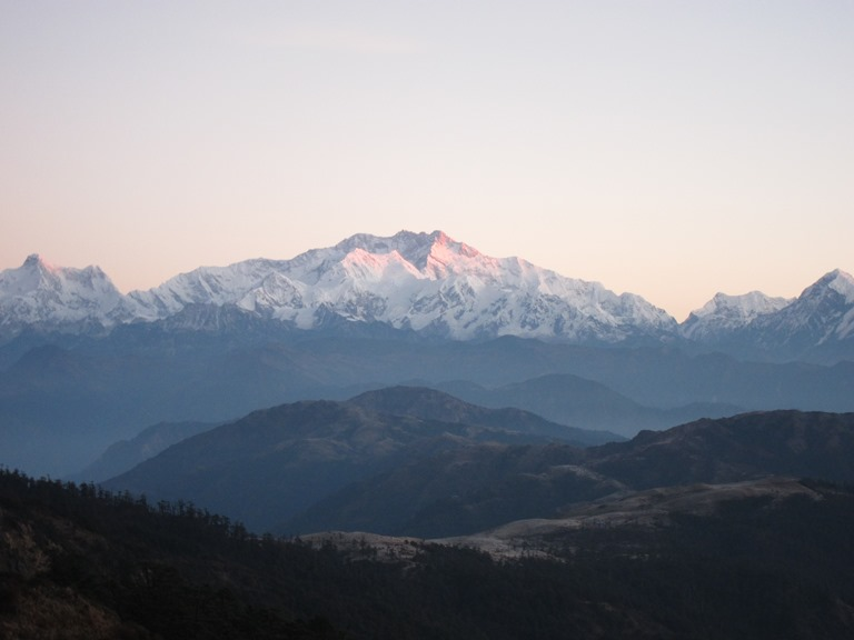 Kangchenjunga from Sandakphu, early light, frosty ridgetop - © William Mackesy