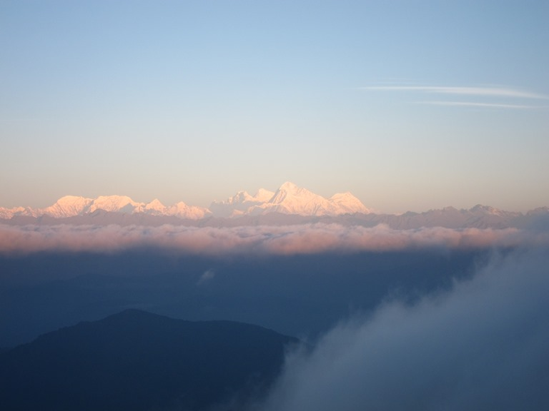 India Sikkim and nearby, Singalila Ridge to Kangchenjunga, Everest group from Sabargram at dawn, Walkopedia