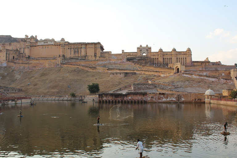 Jaipur, Amber Fort, Lake Maota, fishermen  - © flickr user- Arian Zwegers