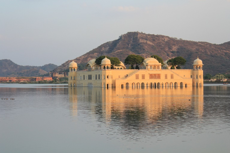 Jaipur, Jal Mahal  - © flickr user- Arian Zwegers...