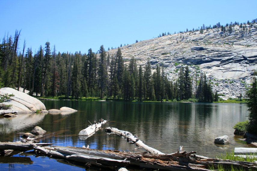 USA California Yosemite, Yosemite National Park, Lower Sunrise Lake , Walkopedia